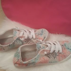 New jellypop super cute and comfy shoes